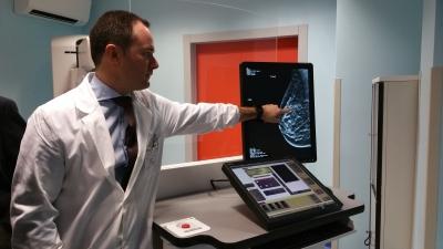 mammografo 3d dono dell'associazione fiorot